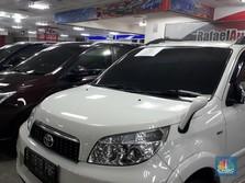 Harga Mobil Bekas Anjlok, Pedagang Terlilit Utang Bank