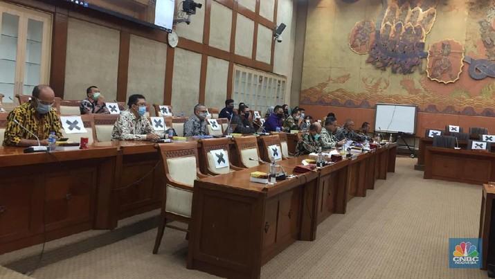 Rapat Panja Komisi VI DPR dengan Kementerian BUMN dan Asuransi jJwasraya (CNBC Indonesia/ Monica Wareza)