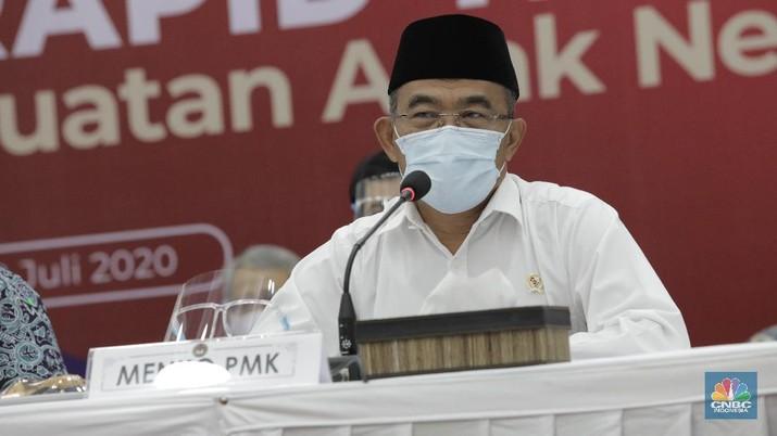 Menteri Koordinator Pembangunan Manusia dan Kebudayaan (Menko PMK) Muhadjir Effend (CNBC Indonesia/ Tri Susilo)