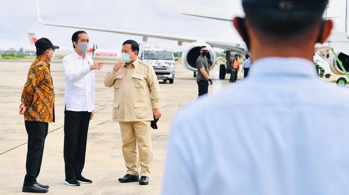 Presiden Joko Widodo Gunakan Heli Merah Putih Menuju Kapuas, , Kamis, 9 Juli 2020. (Biro Pers Sekretariat Presiden/ Laily Rachev)