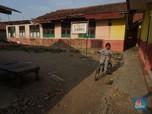 Sedih! Sekolah Ambruk di Kabupaten Bekasi