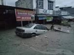 Jokowi Kirim Bala Bantuan ke Korban Banjir Bandang Luwu Utara