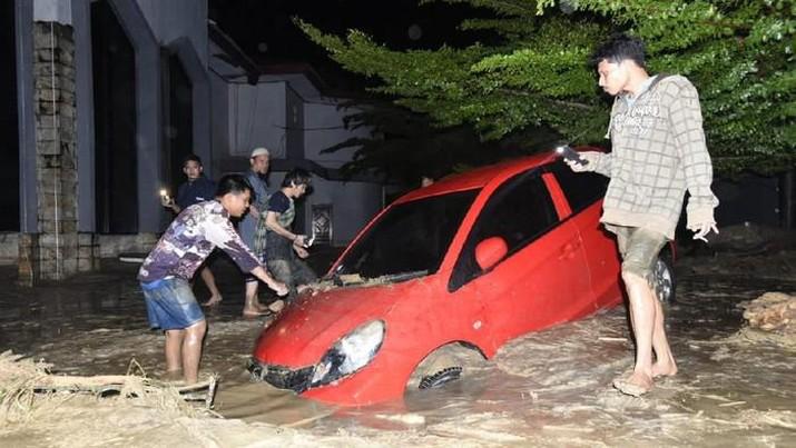 Banjir bandang di Masamba. Dok: PMI