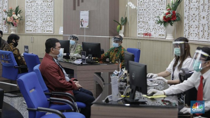 Ilustrasi pelayanan pajak. (CNBC Indonesia/Muhammad Sabki)