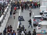 Duh! Massa Tolak Omnibus Law Merangsek Masuk Tol Dalam Kota