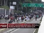 Aksi Tolak Omnibus Law di DPR Ricuh!