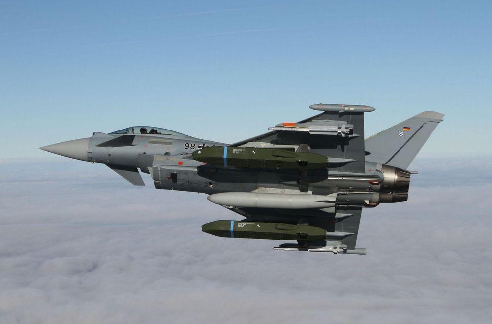 Jet Tempur jenis Eurofighter Typhoon