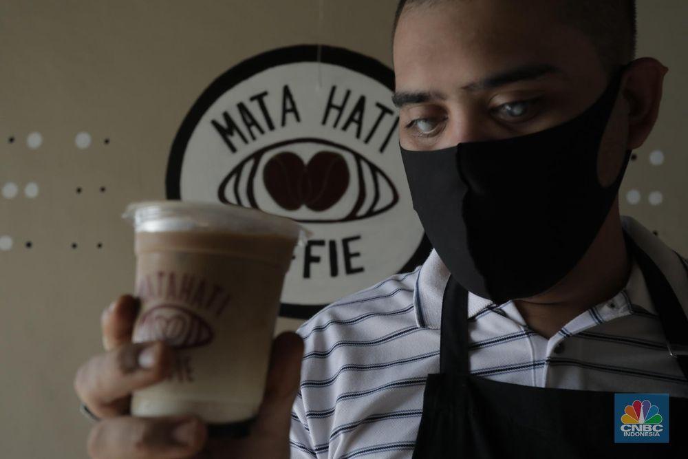 Potret Barista Tunanetra Bertahan Ditengah Pandemi (CNBC Indonesia/ Tri Susilo)