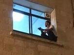 Haru, Pemuda Palestina Panjat Tembok RS Lihat Jenazah Ibu