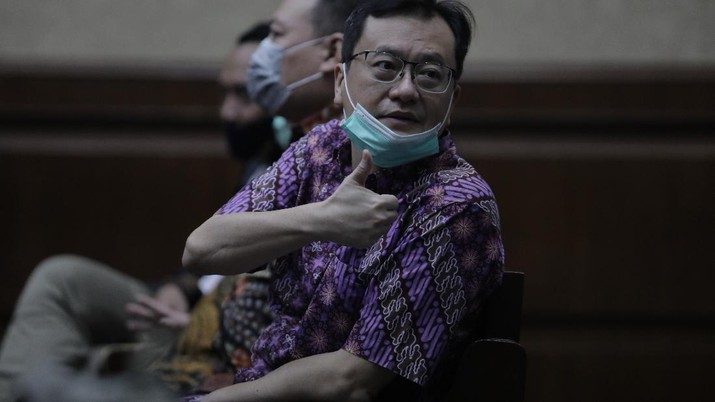Benny Tjokosaputro atau akrab disapa Bentjok, salah satu dari 6 terdakwa di kasus PT Asuransi Jiwasraya (Persero) yang menjalani persidangan Tindak Pidana Korupsi di Pengadilan Negeri Jakarta Pusat. (CNBC Indonesia/ Tri Susilo)