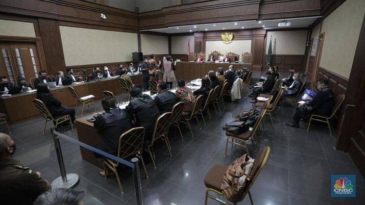 Sidang lanjutan kasus korupsi PT. Asuransi Jiwasraya (Persero)di Pengadilan Negeri, Jakarta Pusat, Senin (27/7/20). (CNBC Indonesia/Tri Susilo)