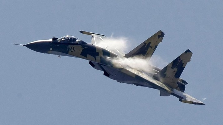 A Russian Sukhoi Su-35 air force jet seen during MAKS-2009 (the International Aviation and Space Show) in Zhukovsky, Russia, Tuesday, Aug. 18, 2009. (AP Photo/Misha Japaridze)