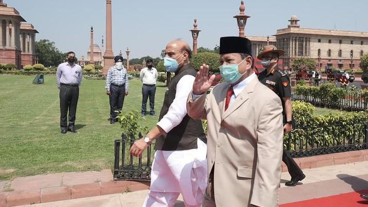 Pertemuan Menteri Pertahanan Indonesia Prabowo Subianto dengan Menteri Pertahanan India Rajnath Singh. (Dok. TInstagram @prabowo)