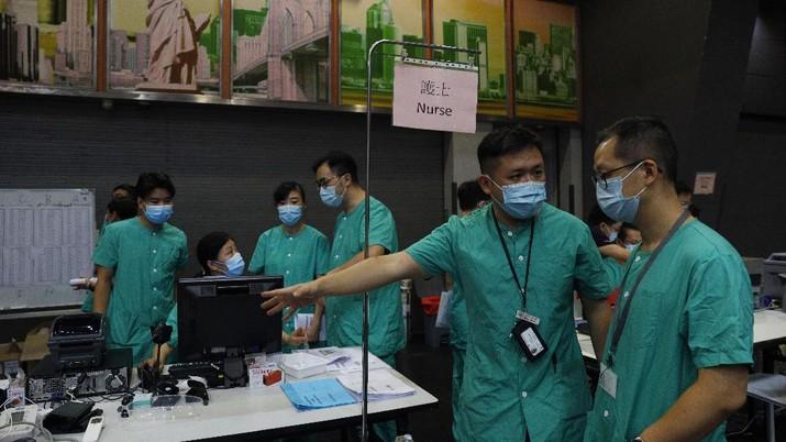 Hall pameran di Hong Kong di jadikan rumah sakit darurat Covid-19. (AP/Kin Cheung)