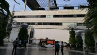 Atap Gedung Parkir Terminal 3 Bandara Soetta Runtuh!