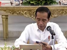 Tertunduk, Jokowi: Ekonomi RI Kuartal II Jatuh -5,32%