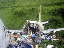18 Tewas, India Periksa Kotak Hitam Boeing-737 yang Jatuh