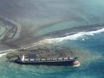 Penampakan 1.000 Ton Minyak Cemari Laut Mauritius