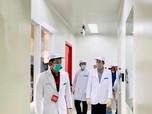 Momen Jokowi 'Blusukan' Cek Vaksin Covid-19 Made in Bandung