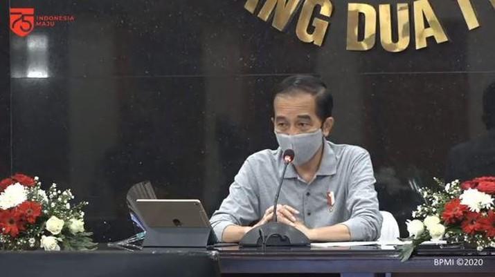 Presiden RI Jokowi Tinjau Posko Penanganan Covid-19 Provinsi Jabar, Bandung, 11 Agustus 2020