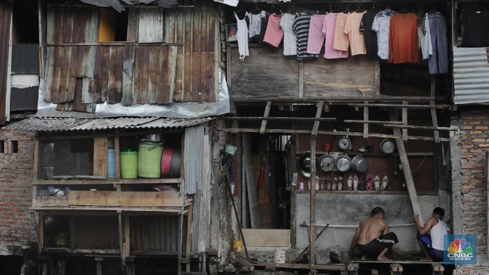 Suasana bantaran kali Cideng, Roxy, Jakarta Barat (CNBC Indonesia/Tri Susilo)