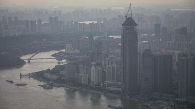 Sempat Mangkrak, Gedung Pencakar Langit di Wuhan Kembali Dibangun