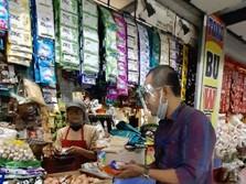 Kisah Mantri BRI Dampingi Pedagang Pasar Hingga Melek Digital