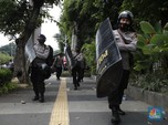 Potret Aparat Kawal Sidang MPR & Demo Buruh Tolak Omnibus Law