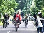 Mengintip Gaya Jokowi Gowes Pakai Sepeda Keren 'Made in RI'