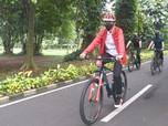 Bukan Brompton, Jokowi Gowes Pakai Sepeda Made in RI