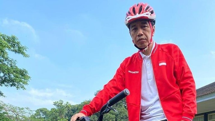 Presiden Joko Widodo (Jokowi) Bersepeda  (Tangkapan Layar Instagram @Jokowi)