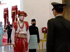 Jokowi Pakai Baju Adat NTT, Ma'ruf Amin Pilih Busana Melayu