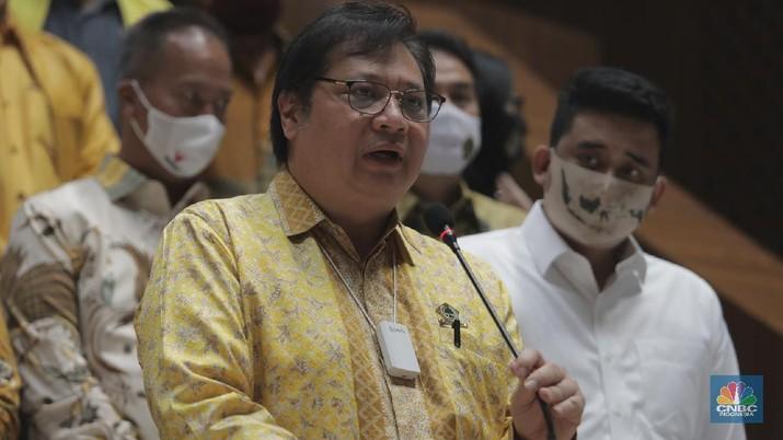 Ketua Umum Dewan Pimpinan Pusat (DPP) Partai Golongan Karya (Golkar) Airlangga Hartarto  (CNBC Indonesia/Muhammad Sabki)