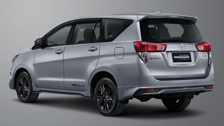 Toyota Innova  (Dok. Astra)
