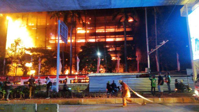 Api Membara Gedung Kejaksaan Agung Kebakaran