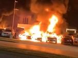 AS Masih Rusuh & Bakar-bakaran, 5 Orang Ditangkap