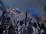 Lautan Massa Buruh Tolak Omnibus Law Kepung DPR