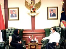 Prabowo 'Rayu' Qatar Gunakan Senjata Made in Indonesia
