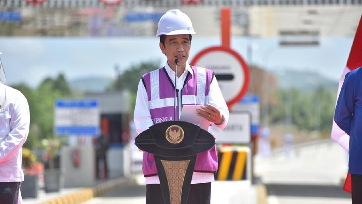 Presiden Jokowi meresmikan jalan Tol Banda Aceh-Sigli. (Dok: PUPR)