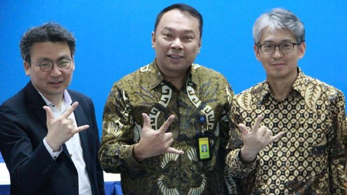 (Dari Kiri) Direktur Bukopin Ji  Kyu Jang, Direktur Utama Bukopin Rivan A. Purwantono dan Direktur Bukopin Jong Hwan Han