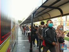 KRL Tetap Operasi, Ini Jadwal & Syarat Jalan Saat PSBB Total