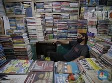 Potret Sepi Jual Beli Buku Bekas di Kwitang, Omzet Terjun 90%