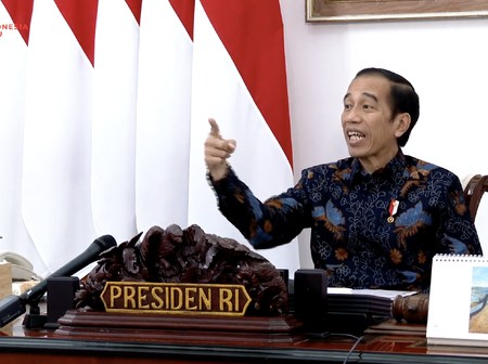 presiden joko widodo dalam rapat terbatas lanjutan pembahasan persiapan pelaksanaan pilkada serentak tangkapan layar youtube s 43