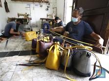 Pandemi Covid-19 Memaksa Pengrajin ini 'Jualan' via Online