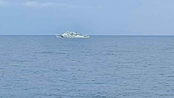 Bakamla RI Bayangi dan Usir Kapal Coast Guard China di Laut Natuna Utara