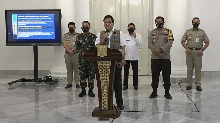 Wiku Adisasmito juru bicara gugus tugas percepatan penanganan Covid-19. Dok: Tangkapan layar youtube Pemprov DKI Jakarta