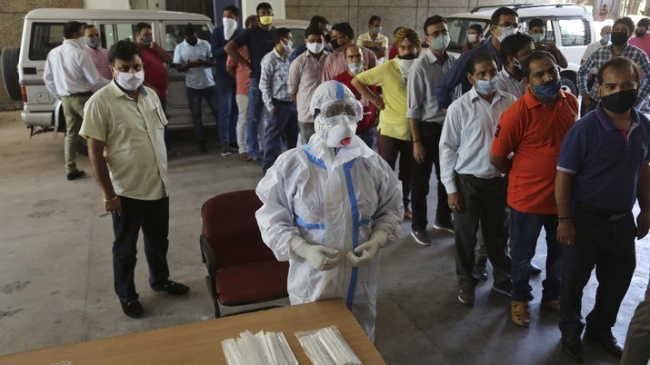 Kasus Covid-19 di India. AP/Channi Anand
