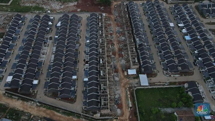 Foto udara pembangunan perumahan di kasawan bojong sari, Depok, Jawa Barat. (CNBC Indonesia/Andrean Kristianto)
