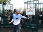 Unjuk Rasa Protes Raja Thailand, Massa Kepung Bangkok!