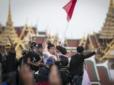 Demo Goyang Takhta Raja Thailand, Teriak Negara Milik Rakyat
